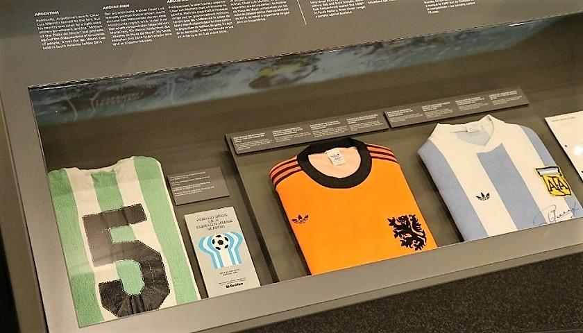Una camiseta de Kimberley brilla en el museo de la FIFA « Diario La ... 878bc3f4f7740