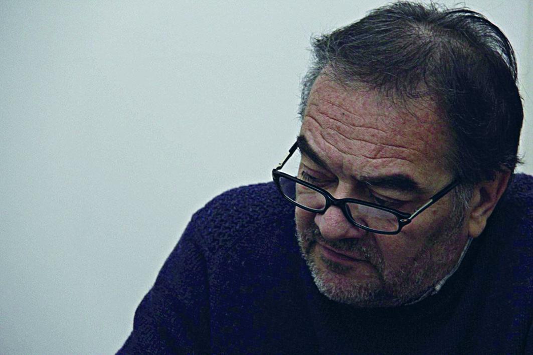"""El poeta Héctor Freire visitó Mar del Plata:""""Hay más libros de ..."""